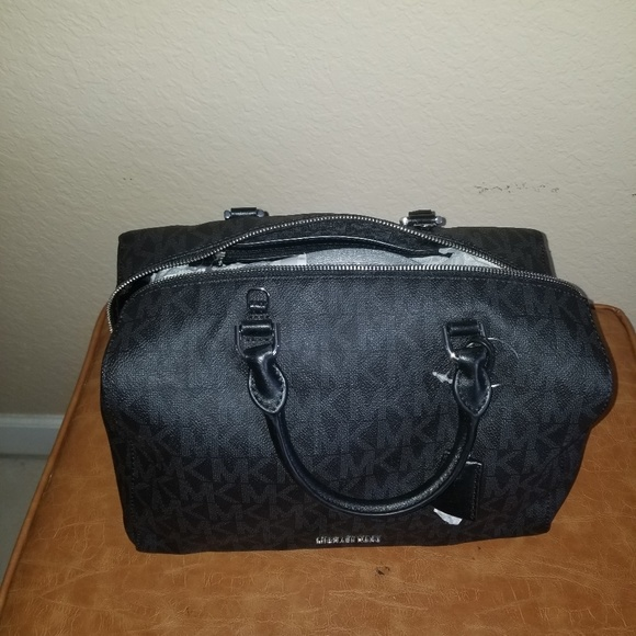 Michael Kors Handbags - Large Michael Kors Satchel